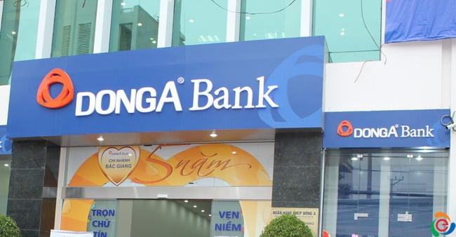 bảng hiệu ngân hàng