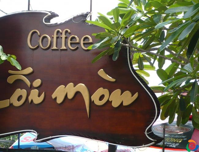 bảng hiệu cafe gỗ