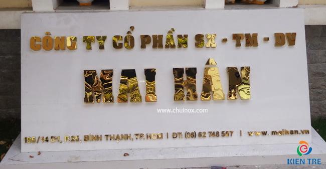 biển quảng cáo bằng đồng