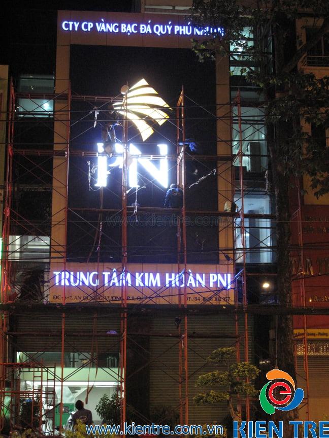 biển hiệu quảng cáo hộp đèn