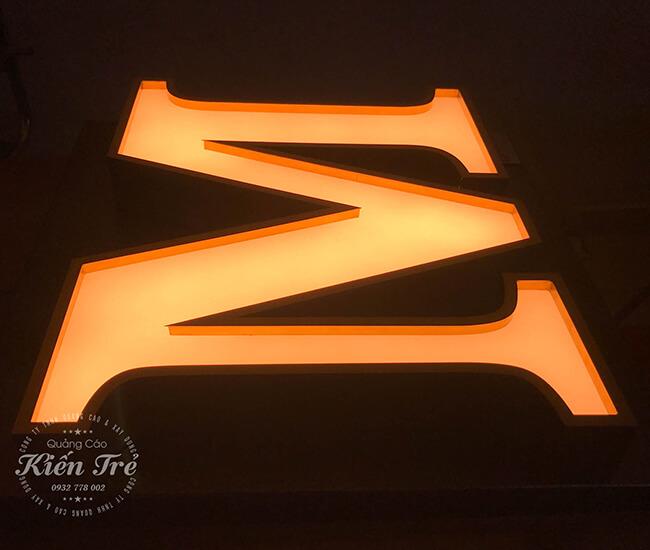 Chữ nổi mica gắn đèn Led đẹp và nổi bật nhất hiện nay