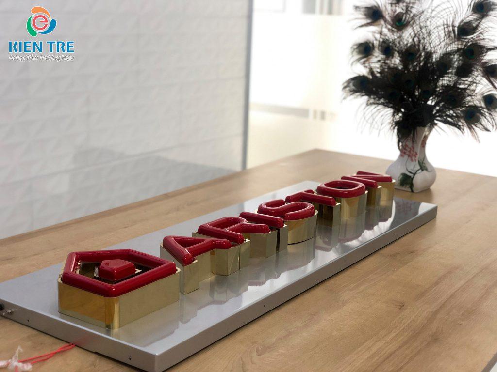 Chữ inox lồng mặt mica hút nổi - Logo Ariston - Mẫu chữ nổi quảng cáo tham gia triển lãm VietAd & VietBuild 2020